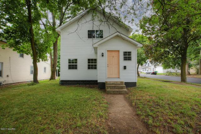 44 Spencer Street, Battle Creek, MI 49014 (MLS #17041797) :: Matt Mulder Home Selling Team