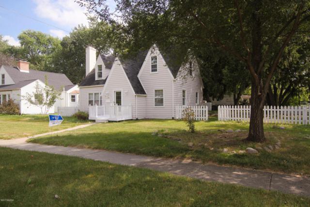 1404 Cambridge Drive, Kalamazoo, MI 49001 (MLS #17042398) :: Carlson Realtors & Development