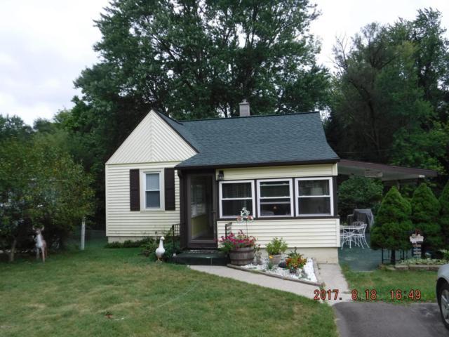 165 Hutchinson Street, Kalamazoo, MI 49001 (MLS #17045138) :: Carlson Realtors & Development