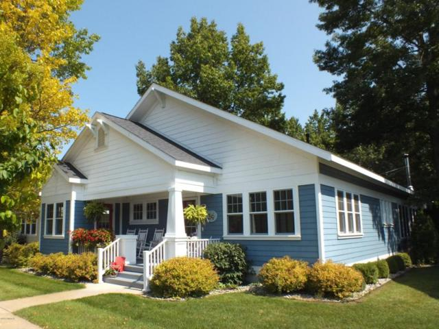 24 E Kenneth Street, Pentwater, MI 49449 (MLS #17047073) :: Deb Stevenson Group - Greenridge Realty