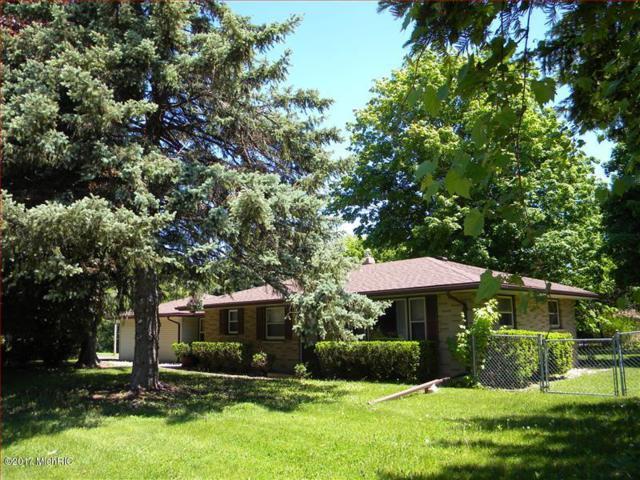 2875 S 9th Street, Kalamazoo, MI 49009 (MLS #17048056) :: Carlson Realtors & Development