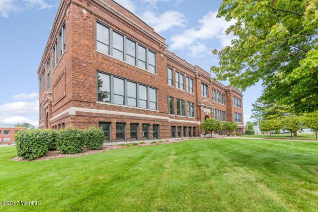 460 Broadway Street #102, South Haven, MI 49090 (MLS #17048128) :: Carlson Realtors & Development