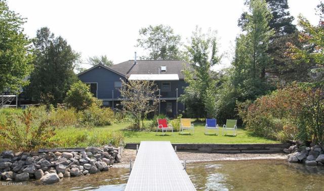 7701 S Indian Lake Drive, Vicksburg, MI 49097 (MLS #17048154) :: Carlson Realtors & Development