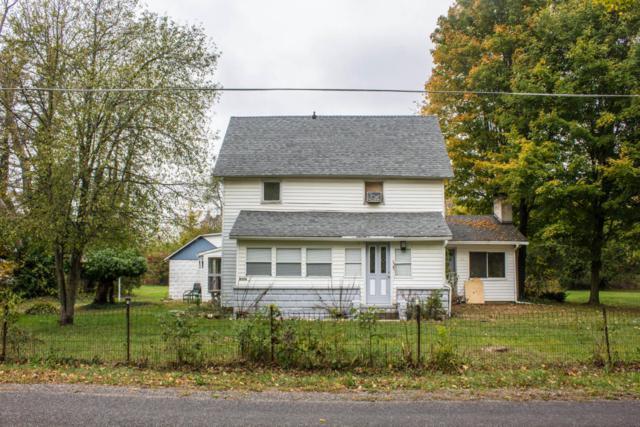 8356 W B Avenue, Otsego, MI 49078 (MLS #17051598) :: Matt Mulder Home Selling Team
