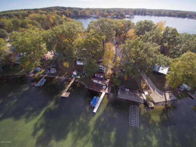 11938 Lakeway Drive, Plainwell, MI 49080 (MLS #17051692) :: Matt Mulder Home Selling Team