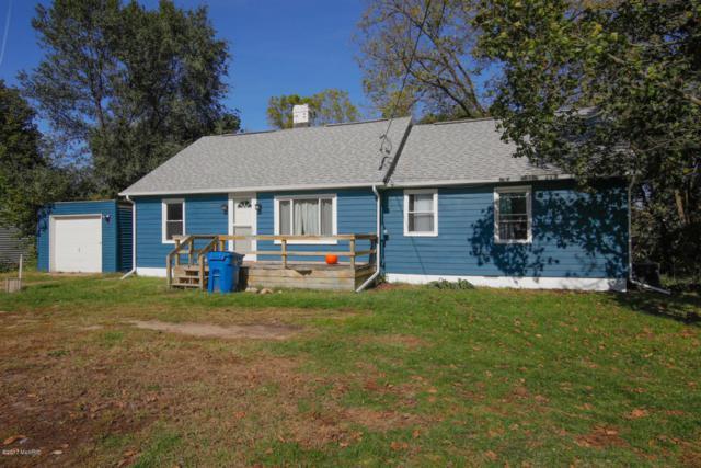 610 W Allegan Street, Otsego, MI 49078 (MLS #17051911) :: Matt Mulder Home Selling Team