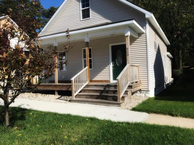 603 George Street, Ludington, MI 49431 (MLS #17051923) :: Deb Stevenson Group - Greenridge Realty