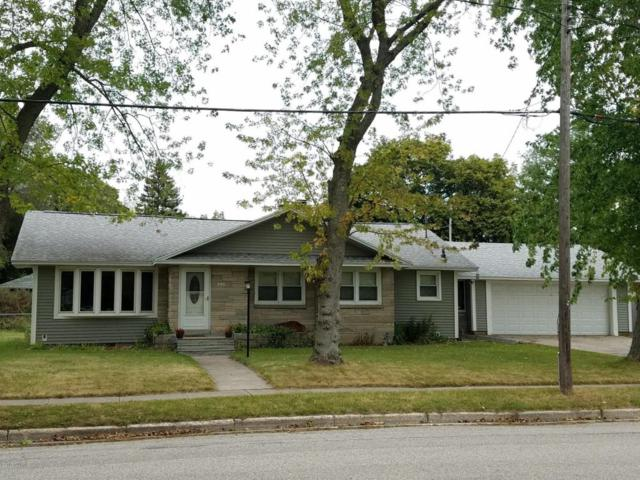 340 7th Street, Manistee, MI 49660 (MLS #17051941) :: Deb Stevenson Group - Greenridge Realty
