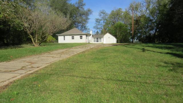 739 E Roosevelt Avenue, Battle Creek, MI 49017 (MLS #17051996) :: Matt Mulder Home Selling Team