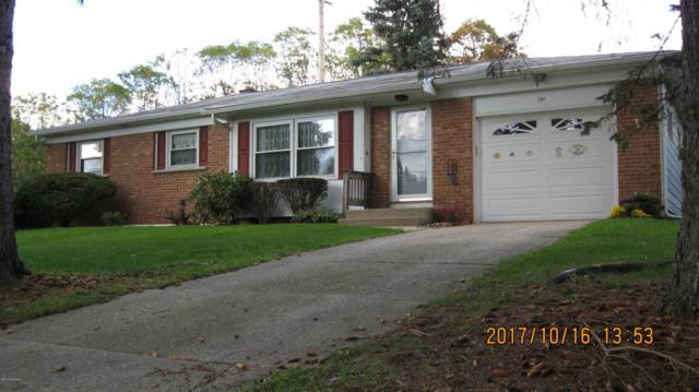 151 Summit Drive, Battle Creek, MI 49015 (MLS #17052004) :: Matt Mulder Home Selling Team