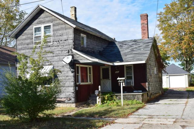 232 St. Mary's Parkway, Manistee, MI 49660 (MLS #17052062) :: Deb Stevenson Group - Greenridge Realty
