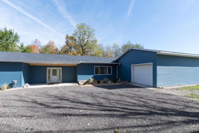 59891 Red Arrow Highway, Hartford, MI 49057 (MLS #17052113) :: Deb Stevenson Group - Greenridge Realty