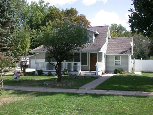 8341 Lovers Lane, Portage, MI 49002 (MLS #17052252) :: Matt Mulder Home Selling Team