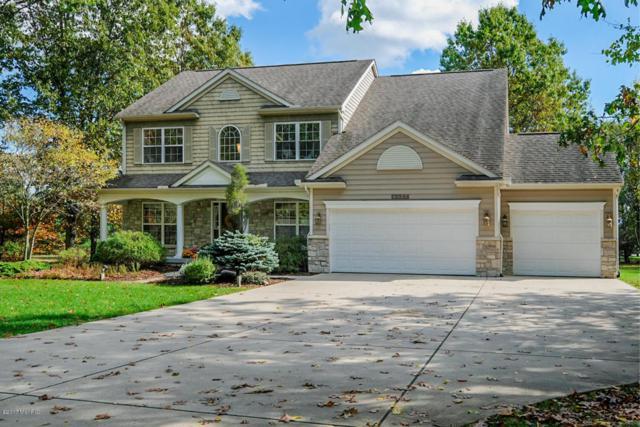 6135 Texas Drive, Kalamazoo, MI 49009 (MLS #17052297) :: Matt Mulder Home Selling Team