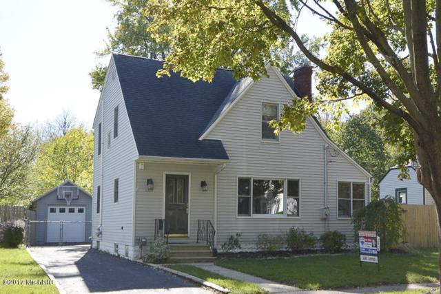 1304 Homecrest Avenue, Kalamazoo, MI 49001 (MLS #17052379) :: Matt Mulder Home Selling Team