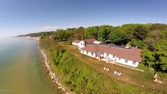 711 N Lakeshore Drive, Ludington, MI 49431 (MLS #17054178) :: Deb Stevenson Group - Greenridge Realty