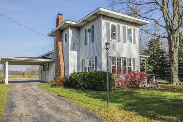 4735 E B Avenue, Plainwell, MI 49080 (MLS #17056405) :: Matt Mulder Home Selling Team