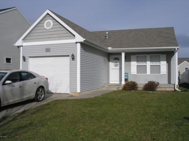 1304 Ellery Grove Court, Vicksburg, MI 49097 (MLS #17057018) :: Matt Mulder Home Selling Team