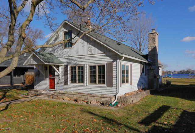 11947 W Indian Lake Drive, Vicksburg, MI 49097 (MLS #17058334) :: Matt Mulder Home Selling Team