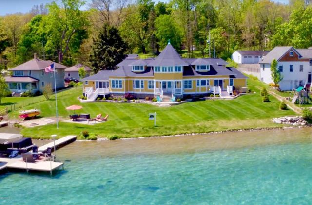 1741 Idlewild, Richland, MI 49083 (MLS #17058902) :: Matt Mulder Home Selling Team