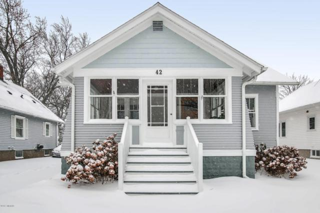 42 W 21st Street, Holland, MI 49423 (MLS #17059108) :: Matt Mulder Home Selling Team