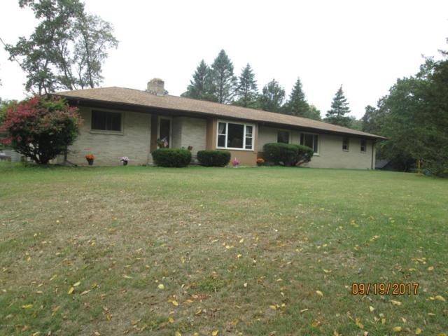4440 E De Ave, Kalamazoo, MI 49004 (MLS #17059765) :: Carlson Realtors & Development