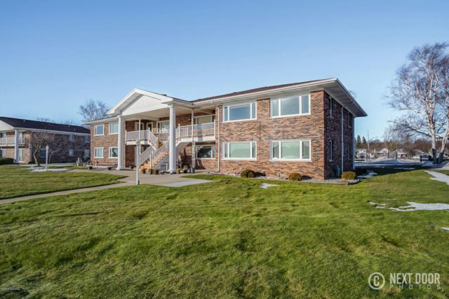 304 S Ferry Street #5, Ludington, MI 49431 (MLS #18000263) :: Deb Stevenson Group - Greenridge Realty