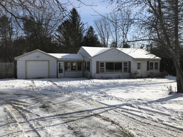 4958 Pine Island Drive NE, Comstock Park, MI 49321 (MLS #18001999) :: Matt Mulder Home Selling Team