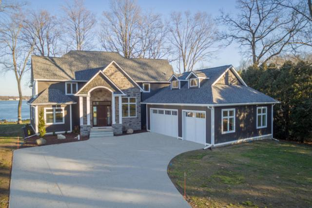 10530 Wildwood Circle, Richland, MI 49083 (MLS #18003433) :: Matt Mulder Home Selling Team