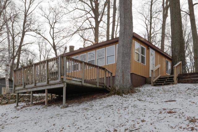 27070 Lake Drive, Lawton, MI 49065 (MLS #18003594) :: Matt Mulder Home Selling Team