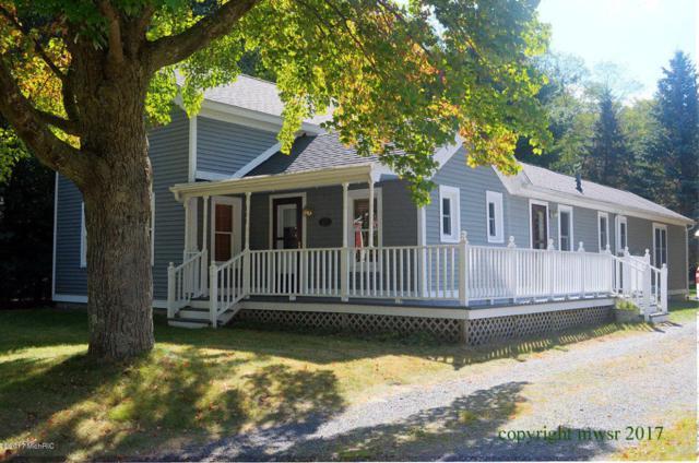 111 E Hanover Street, Pentwater, MI 49449 (MLS #18004808) :: Deb Stevenson Group - Greenridge Realty