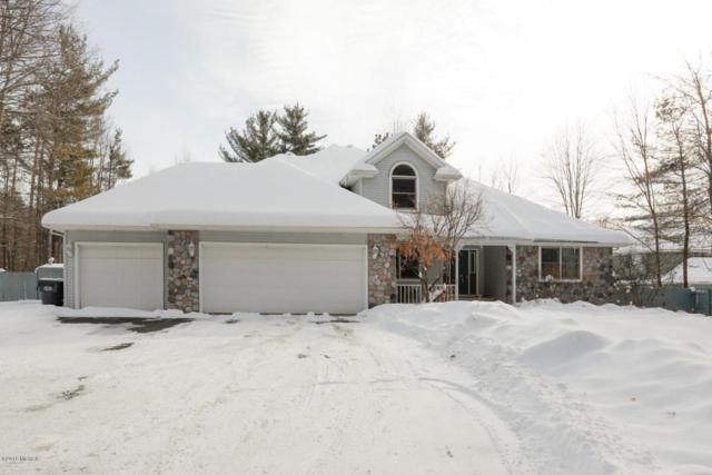 6647 S 5th Street, Kalamazoo, MI 49009 (MLS #18005092) :: Matt Mulder Home Selling Team