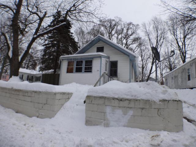 171 Harris Street, Battle Creek, MI 49037 (MLS #18006002) :: Matt Mulder Home Selling Team