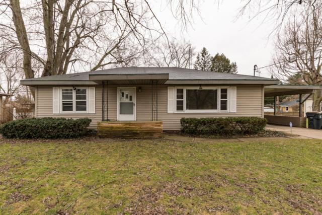 556 Cayuga Road, Benton Harbor, MI 49022 (MLS #18006263) :: Carlson Realtors & Development