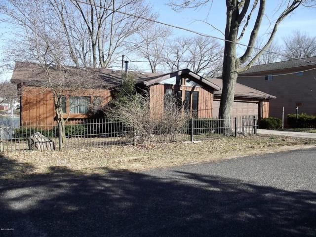 24976 Lake Shore Drive, Dowagiac, MI 49047 (MLS #18008863) :: Carlson Realtors & Development