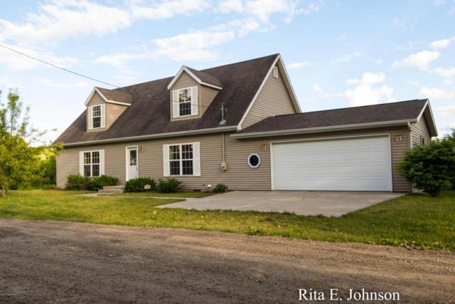11010 Crooked Lake Road NE, Rockford, MI 49341 (MLS #18008976) :: JH Realty Partners