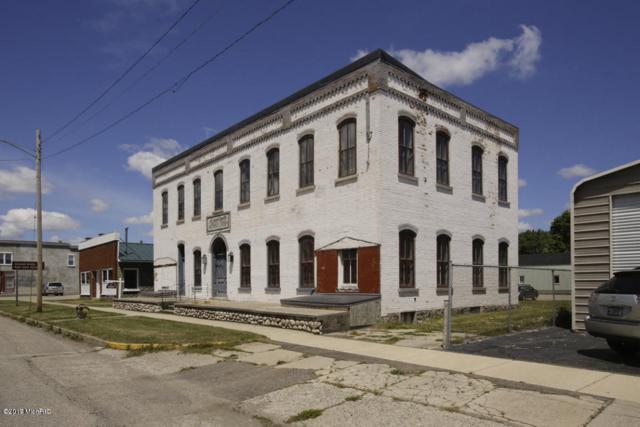 113 E Main Street, Centreville, MI 49032 (MLS #18010119) :: Deb Stevenson Group - Greenridge Realty