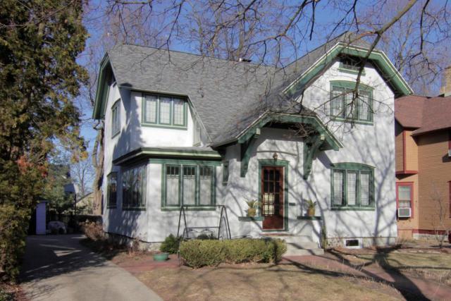 323 Paris Avenue SE, Grand Rapids, MI 49503 (MLS #18010922) :: JH Realty Partners