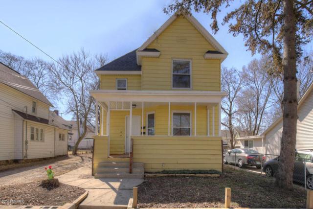 246 Travis NE, Grand Rapids, MI 49505 (MLS #18011145) :: JH Realty Partners