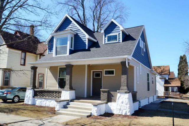 901 Lafayette Avenue SE, Grand Rapids, MI 49507 (MLS #18011164) :: JH Realty Partners