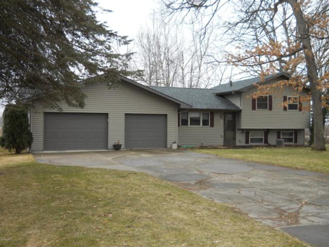 201 Woodlawn Drive, Stanton, MI 48888 (MLS #18012887) :: JH Realty Partners