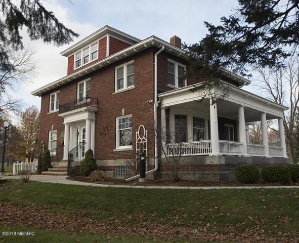 1141 N Pine Street, Lansing, MI 48906 (MLS #18014130) :: Carlson Realtors & Development