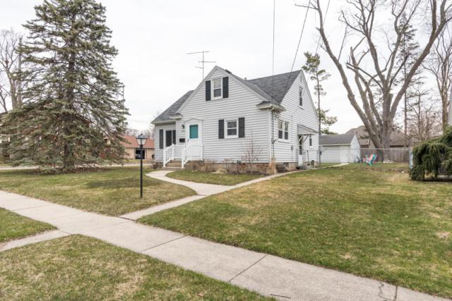 2500 Forest Grove Avenue SW, Wyoming, MI 49519 (MLS #18015292) :: JH Realty Partners