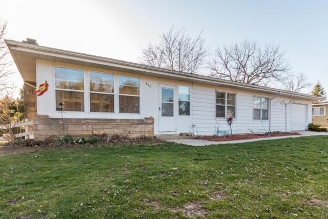 934 Boyer Road, Coloma, MI 49038 (MLS #18015793) :: Carlson Realtors & Development