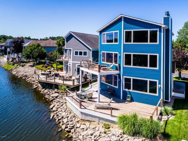2287 Riverside Pointe Drive #19, St. Joseph, MI 49085 (MLS #18015802) :: JH Realty Partners