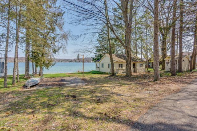 15100 Lake Shore, Vandalia, MI 49095 (MLS #18015830) :: JH Realty Partners