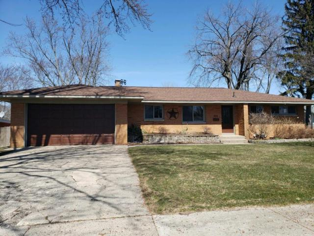 521 Orchard Avenue, Grand Haven, MI 49417 (MLS #18015889) :: JH Realty Partners