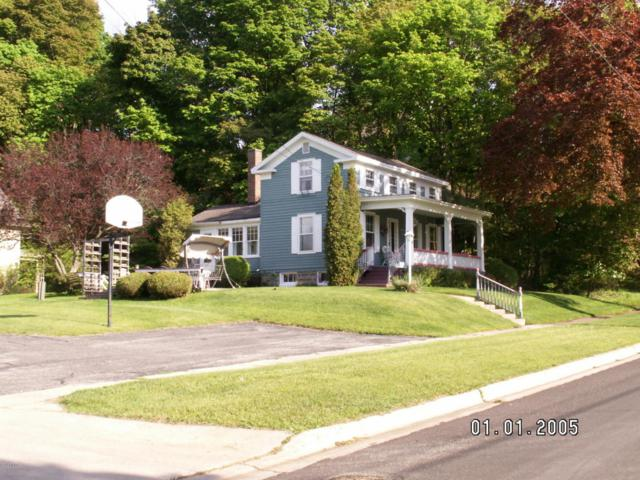 115 Spruce Street, Manistee, MI 49660 (MLS #18016003) :: Deb Stevenson Group - Greenridge Realty