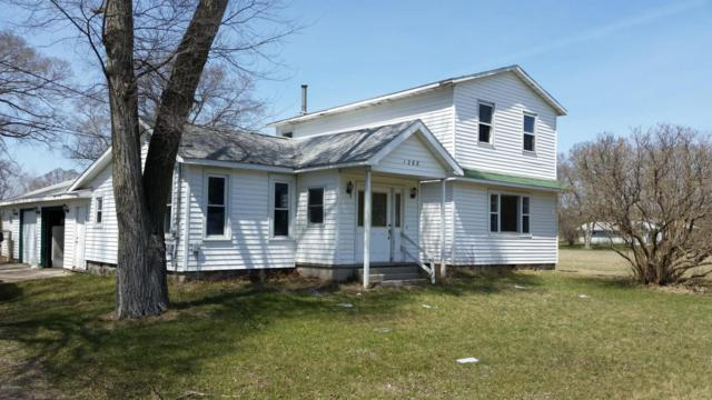 1268 S Greenville Road, Greenville, MI 48838 (MLS #18016077) :: Matt Mulder Home Selling Team