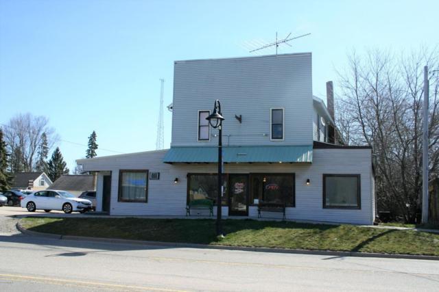 117 S Grove Street, Delton, MI 49046 (MLS #18016361) :: Deb Stevenson Group - Greenridge Realty
